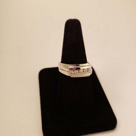 white gold woman ring